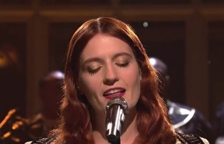 Florence and The Machine / Shake It Out (Live On SNL)