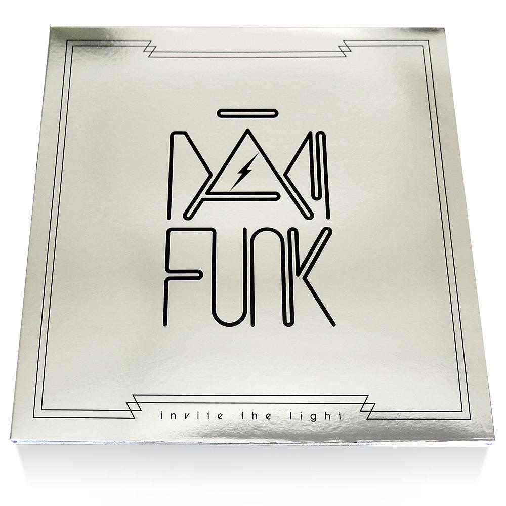 DamFunk_InviteTheLight_sleeve