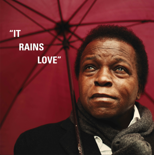 « IT RAINS LOVE » DE LEE FIELDS : L'AMOUR DÉFI LE TEMPS
