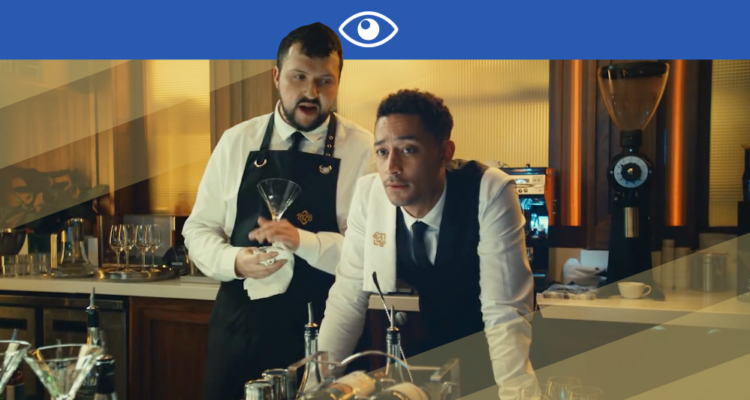 LOYLE CARNER SURVEILLE SA PROPRE MÉRE DANS LE CLIP DE « YOU DON'T KNOW »